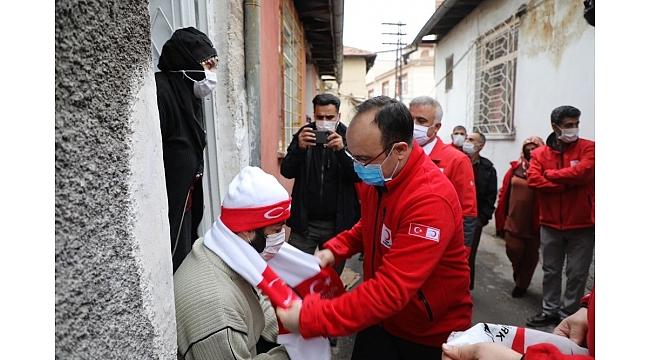 Vali Erkaya Yırık'tan mahalle ziyareti